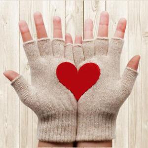 Fashion Women Cute Winter Warm Half Fingerless Love Heart Finger Knitted Mittens