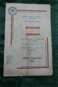 SCHOOLS' INTERNATIONAL - 1958 ENGLAND v GERMANY at Chesterfield incl T. VENABLES