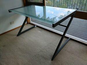 Office Desk - Perfect condition