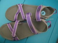 NEW TEVA WATER SHOES WOMENS 6 Sport Sandals Purple $66 Retail