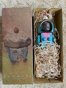 "David Choe ""Cupcake"" Hand-painted Wood Figure Choegal Art Toy"