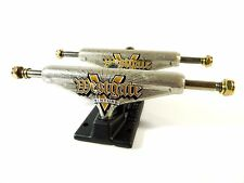 Venture 5.25 Lo Westgate Engraved Gold/Black Skateboard Trucks