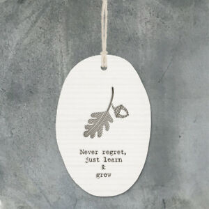 NEVER REGRET Porcelain Hanging Wall sign 8 x 5.5 cm East of India New
