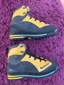 la sportiva 3 Season mountain boots