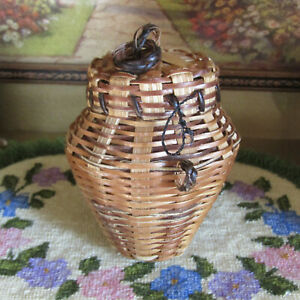 Vtg Antique Large Scale Doll Dollhouse Basket Laundry Kitchen Tea Canister Woven