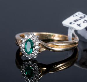 9ct Emerald & Diamond Cluster ring
