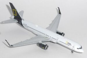 Boeing 757-200 Icelandair National Geographic Diecast Model Scale 1:400 XX4398