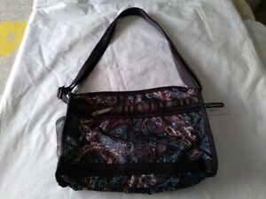LeSportSac Shoulder Handbag Purse new w/tag Paisley Varanasi Pattern w/makeup