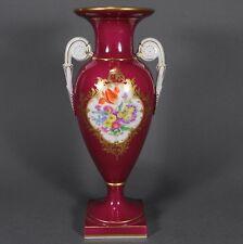 Meissen Vase Amphorenvase Prunkvase Henkelvase rot red Blumen flowers porcelain