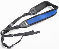Rowi Kameragurt Tragegurt carrying strap Schwarz Blau aus neopren breit wide