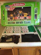 Subbuteo Vintage Juego De Fútbol Usa 94 EE. UU. & Balls y metas de los equipos de Alemania