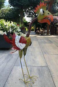 Vogelskulptur, Metalldekoration. Dekoration in traumhaften Farben.