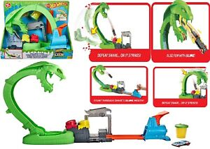 Hot Wheels Toxic Snake Strike Play Set with Slime Ages 5+ Toy Race Car Track Fun