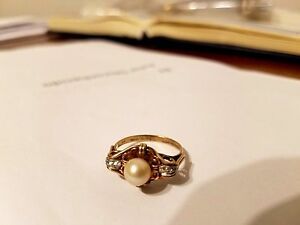 RING  PEARL AND DIAMONDS Elegant 18k gold MAGNIFICENT