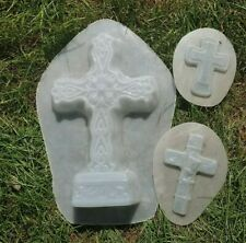 """3 plastic molds second quality / overstock. Range in size from 4"""" to 13"""""""