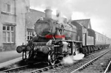 PHOTO  1962 MOAT LANE JUNCTION RAILWAY STATION THE MORNING TRAIN TO BRECON AWAIT