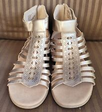 Earth Camellia Marconi Open Toe Sandals, Platinum Leather, Womens sz 12