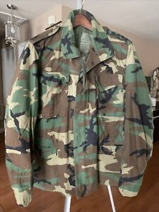 US Army M-65 Field Jacket Coat Cold Weather Woodland Camo Sz Med-Reg Made In USA