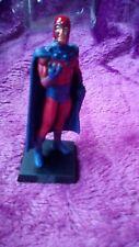 La Colección clásicos de Marvel Magneto Figura Pintada A Mano