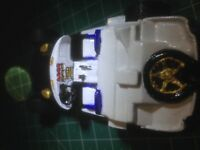 DODGE VIPER GT2 in WHITE 1.39 MAISTO DIECAST MODEL CAR HAS BEEN  Customise
