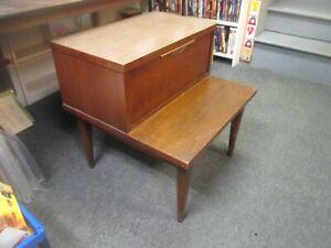 Kent Coffey MCM Mid Century Wood End Table Nightstand Tableau  retro