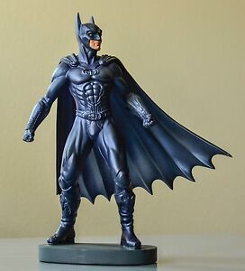 """Batman """"The dark knight"""" RARE! Vintage Figurine Designed Exclusively for WB."""