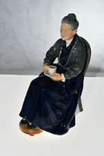 """Royal Doulton Figurine The Cup of Tea Hn 2322 Old Elderly Woman 7"""" Made England"""