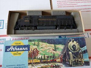 HO  Athearn 4166 Pennsylvania SD 45 PWR  Locomotive #8962