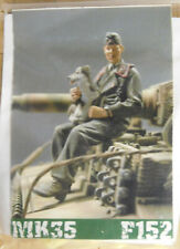 MK35 1/35 WWII German Panzer Figure with Dog