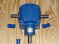 GR Rossi Motoriduttori Right Angle Gearbox 1:1:1 Ratio Base Mount, RC125P01FS404
