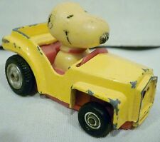 Aviva Peanuts Snoopy Yellow Diecast Car with Heart Grill C18A