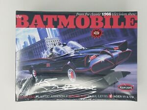 Polar Lights BATMOBILE 1:25 Scale Deluxe Model Kit SIGNED GEORGE BARRIS