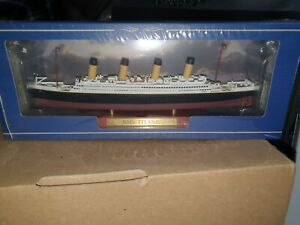 Atlas editions RMS Titanic and sealed.(last one).