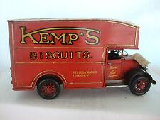 Di latta modello di un grande VINTAGE BISCOTTI consegnare Van / Rosso / Ornamento / REGALO