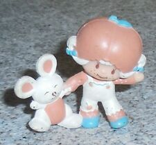 STRAWBERRYLAND MINIATURES Apricot Figurine w/Bunny Strawberry Shortcake PVC