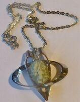 collier pendentif rétro pampille avec camée vert déco fleur couleur argent 3890