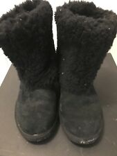EH black ugg boots size 7