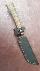 Altes Jagdmesser mit Lederscheide