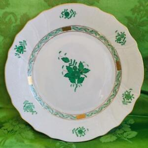 """GORGEOUS HEREND 10"""" HAND PAINTED PORCELAIN DINNER PLATE - GREEN CHINESE BOUQUET,"""