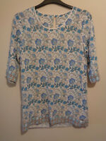 Goubi Design by Bi Bi Blue white floral 3/4 sleeve holiday summer top Size small