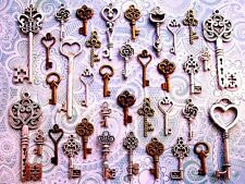 33 Antique Vtg Old Look skeleton key heart lock steampunk jewelry charms CD2