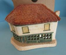 David Winter ~ Old Curiosity Shop ~ Very Early Piece ~ Rare With Windows ~1980