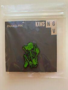 BRAND NEW KAWS SKELETON GREEN ENAMEL PIN - RARE & LIMITED EDITION PIN