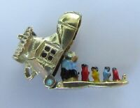 9ct Gold Charm - 9ct Yellow Gold Enamelled Family in Boot Charm (2.7g)