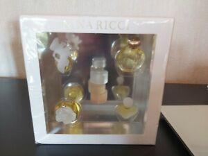 Ancien coffret de 5 miniatures de parfum Nina Ricci sous blister