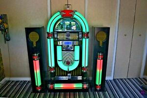 Jukebox Retro Wurlitzer Style complete with speakers and Base