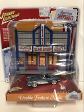 Johnny Lighting DR003 1958 Chevy Corvette Cinema American Snapshots 1:64