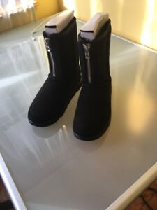 New 3.1 UGG PHILLIP LIM Limited Edition Zip Front Black Boots SZ 9