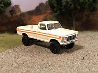 1979 Ford F-250 4x4 Lifted Custom 1/64 Diecast Truck Farm Off Road 4WD Mud F-100
