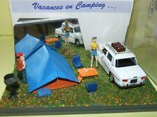 RENAULT 8 BLANC diorama VACANCES EN CAMPING 1:43